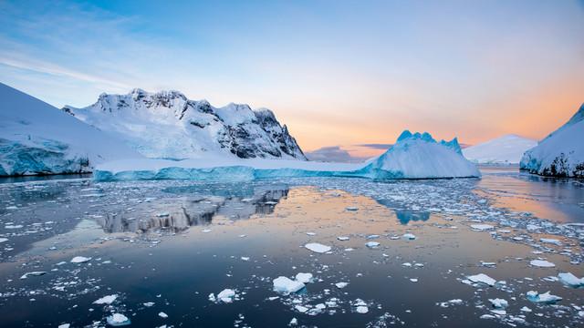 Antarctica Jacek Pióro #324820