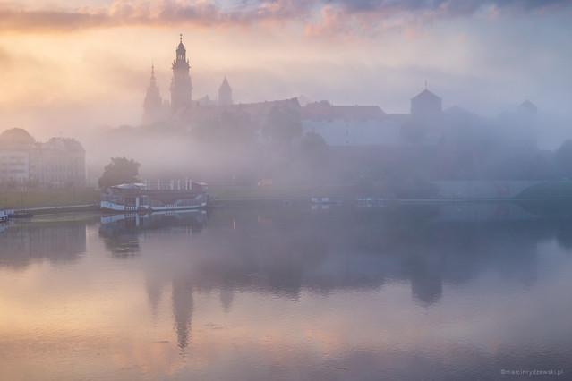 Wawel spowity mgłą Marcin Rydzewski #327093