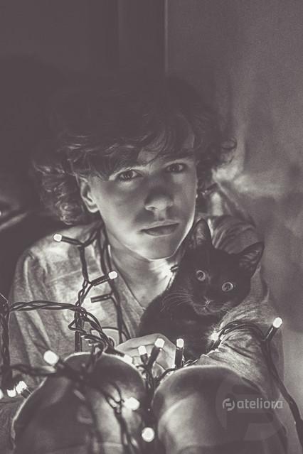 Chłopak z kotem Magdalena Barczynska #335065