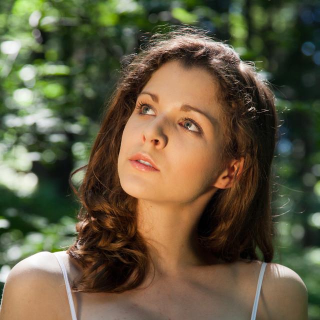 W lesie słychać muzykę... Modelka: Agnieszka. Stylistyka:
