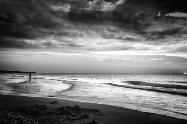 Kobieta patrząca na morze Krzysztof Tollas #311152