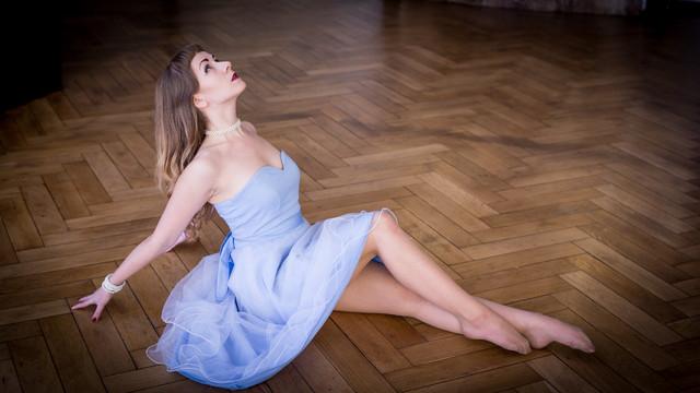 Modelka: Aneta Berezowska Sesja w kompleksie pałacowym Oleśnica