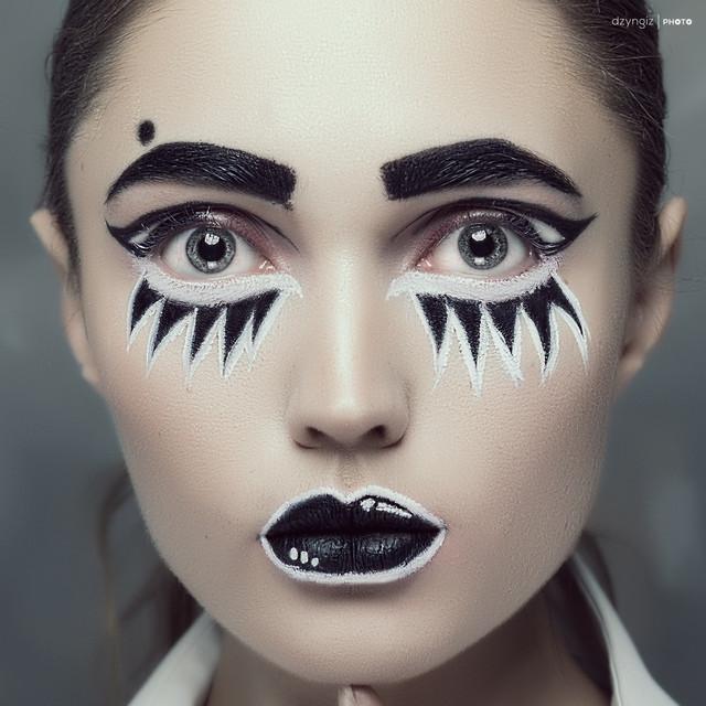 Black & White Mod: Olga Sokolova TOMASZ ''DZYNGIZ'' STANKIEWICZ