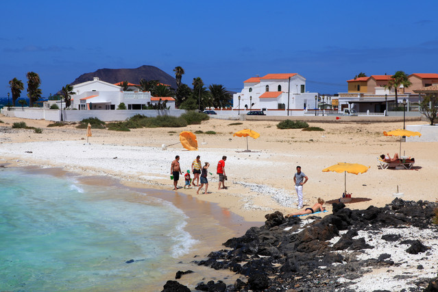 Wybrzeże Corralejo. Wyspy Kanaryjskie. Fuerteventura. Piotr