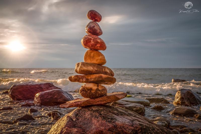 Krzysztof Tollas Zrównoważone kamienie