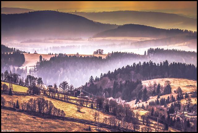 © Góry Sowie. Dolny Śląsk. Widok od strony Przełęczy