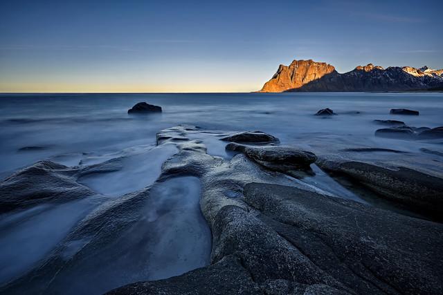 Budzi sie dzien Utakliev, Lofoty , Norwegia JAN SIEMINSKI