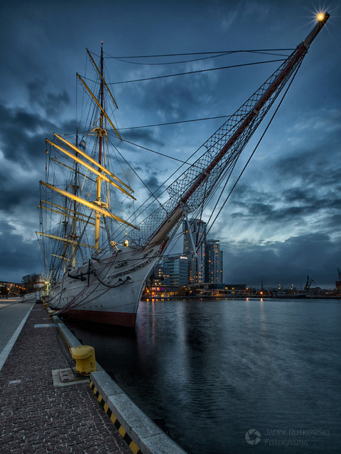 Dar Pomorza Dar Pomorza w Gdyńskim porcie maggelan #310546