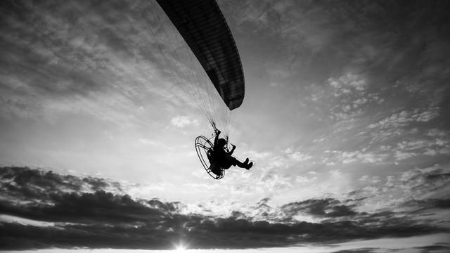 Piotr Schmidt Zew latania - paraglider