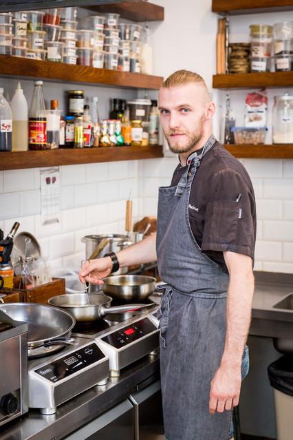 Stół na Szwedzkiej Studio Kulinarne. Piotr Będziak Stół na